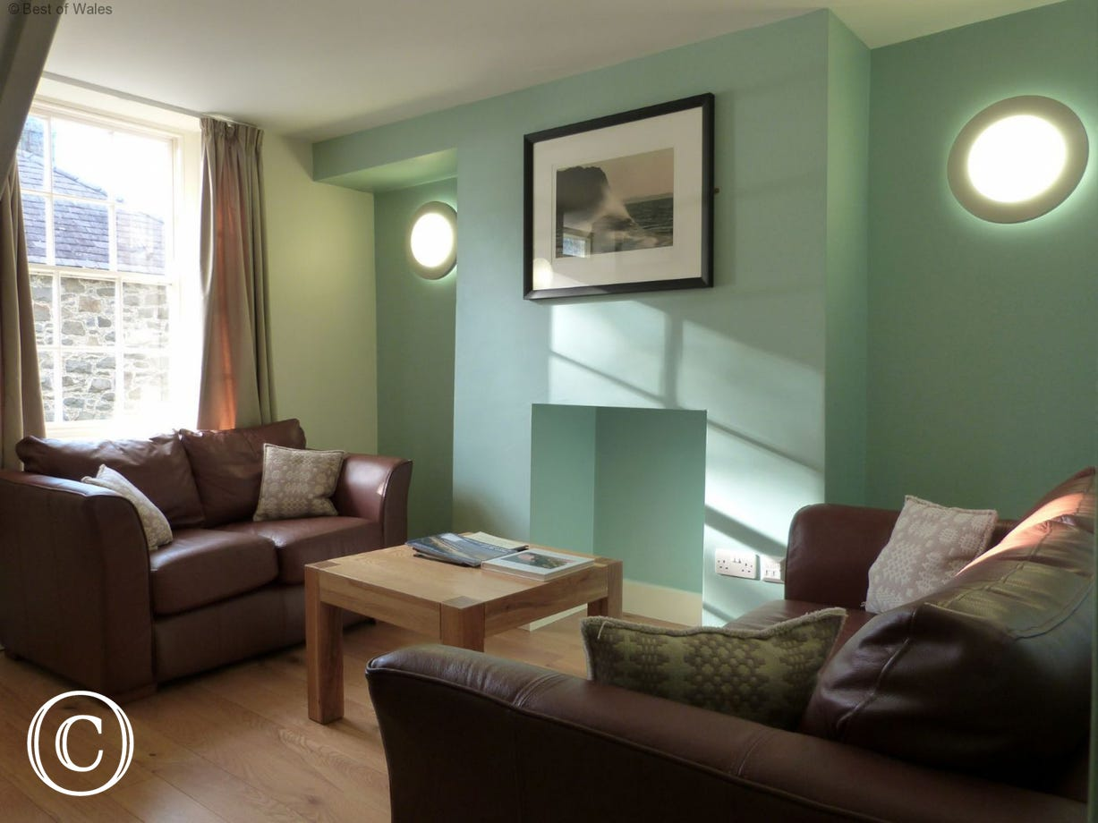 Enjoy a relaxing break at this Nant Gwrtheyrn self catering cottage