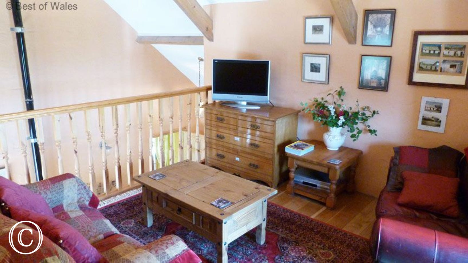 Stabal yr Eglwys Luxury holiday cottage - Gallery lounge area