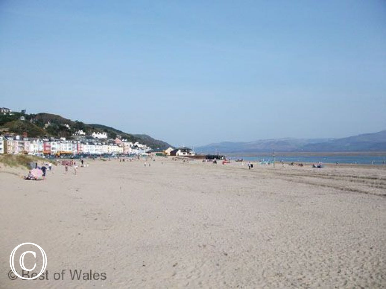 Walk along a 4 mile stretch of sand from Tywyn to Aberdyfi Beach