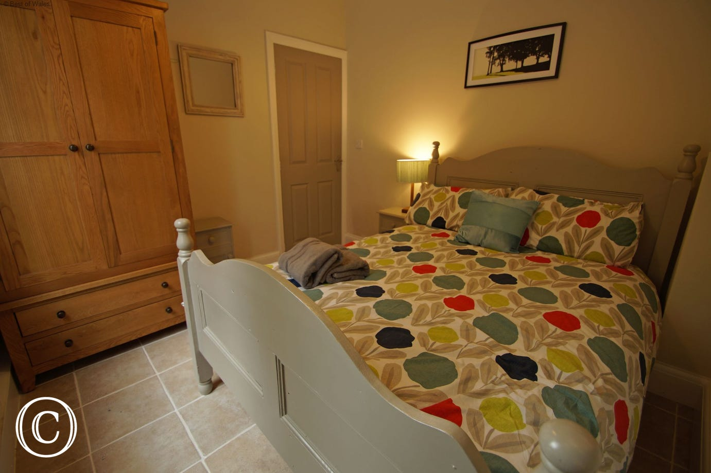 Ground floor double bedroom with adjoining shower room and WC