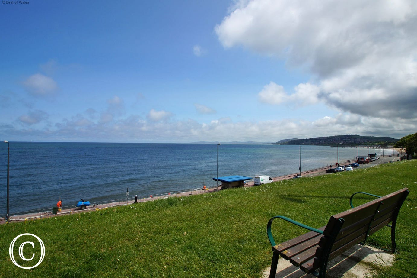 Just a short walk to the seafront, beach, coastal walk and restaurants