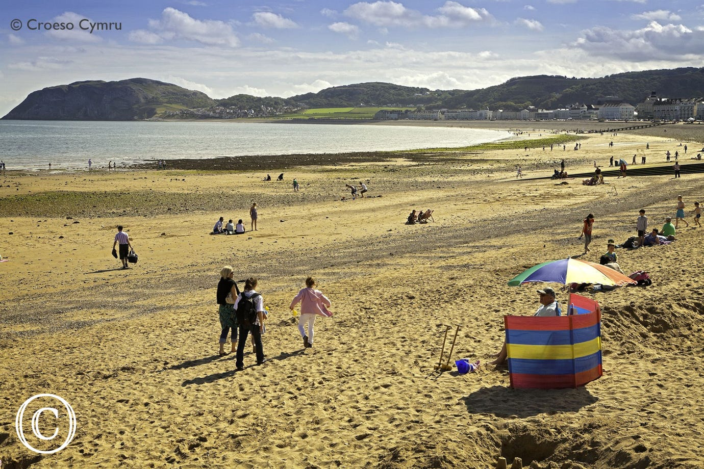 Llandudno (4 miles) offers a great day out with its famous Victorian pier, beach, shops, ski slope, cable cars on the Great Orme and much more