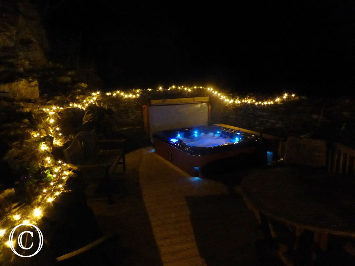 This holiday home with hot tub facilities also offers the perfect setting for star gazing