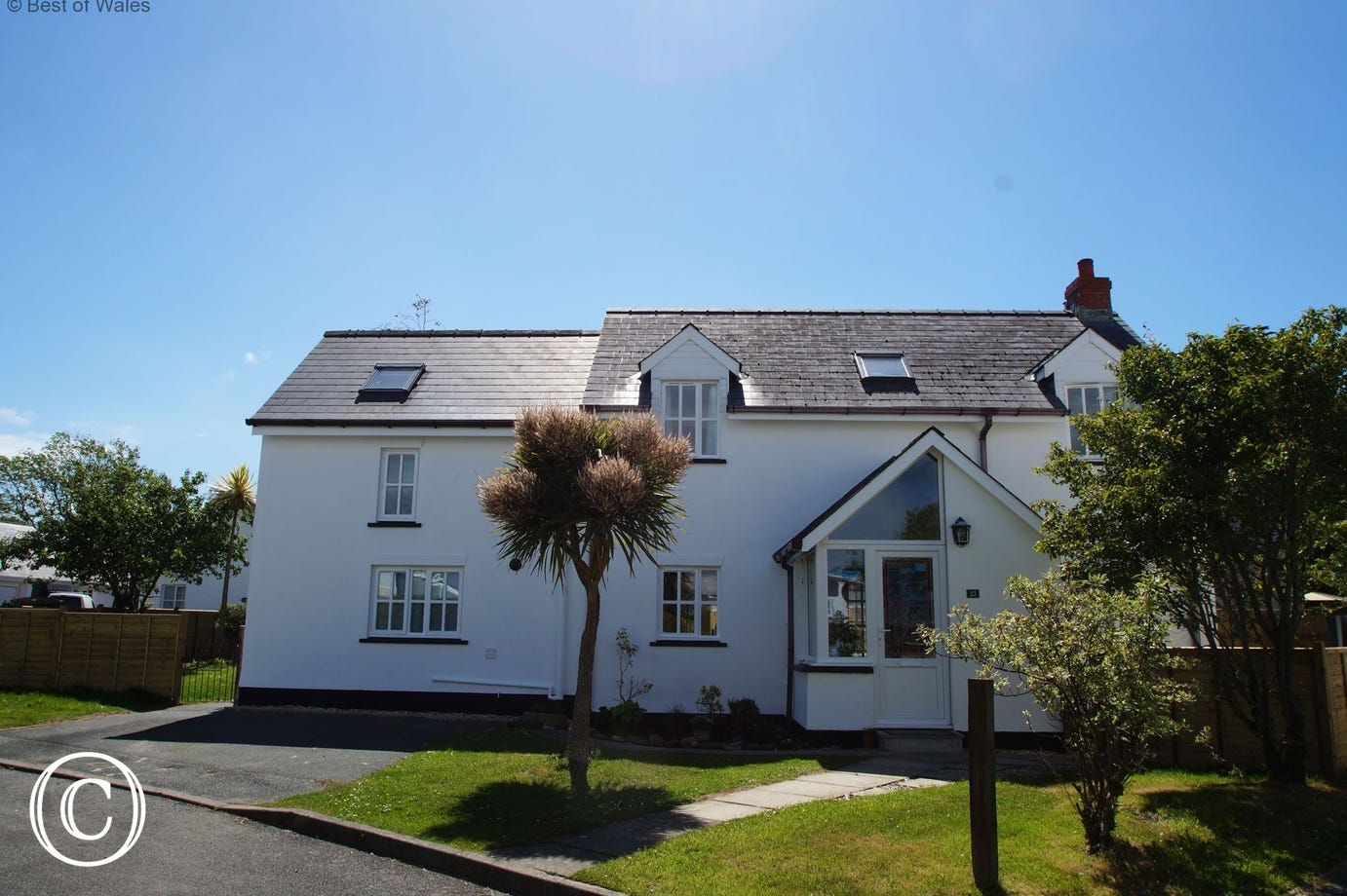 Deudraeth Holiday Cottage near the beach in Pembrokeshire