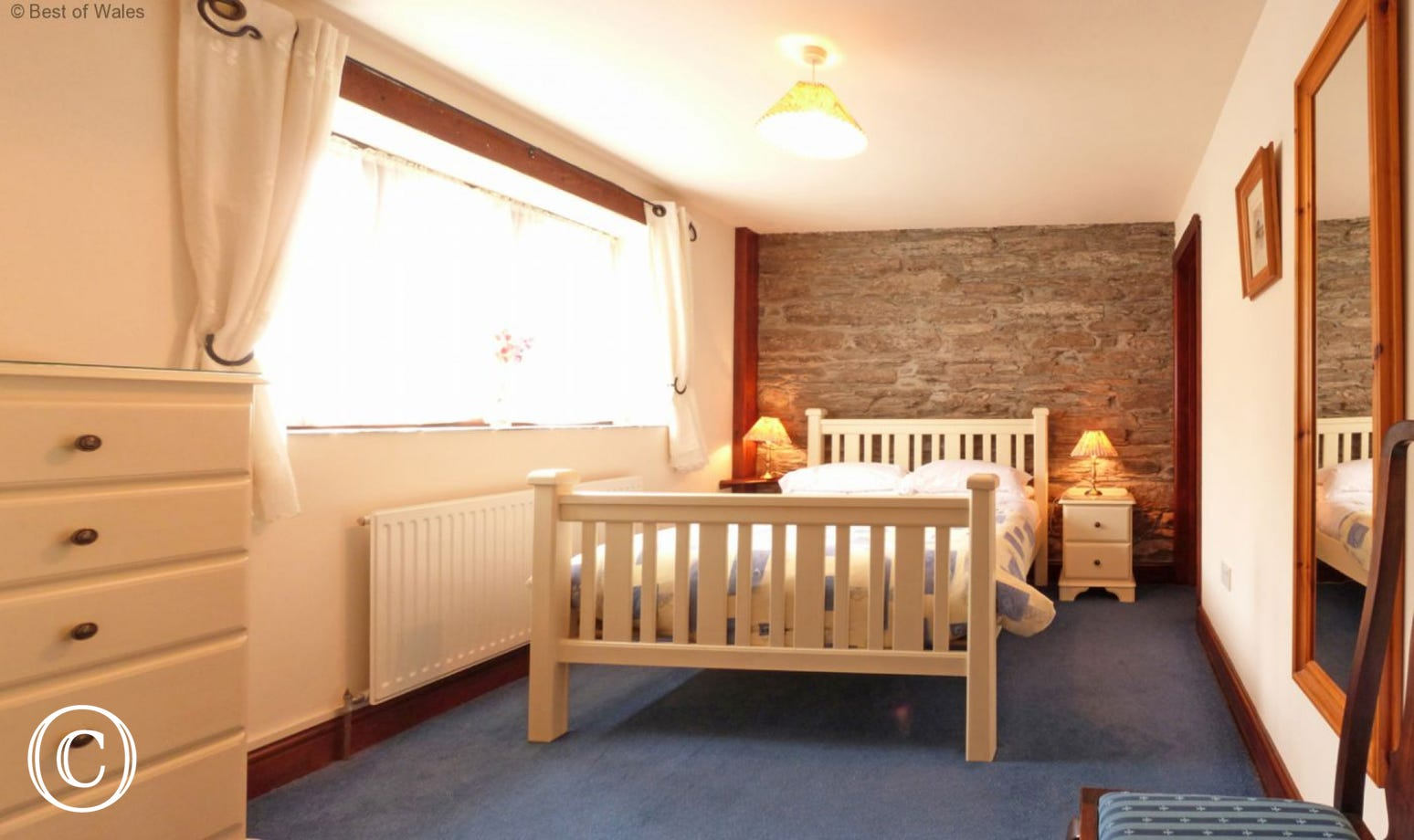 Ground floor en-suite double bedroom - suitable for disabled guests