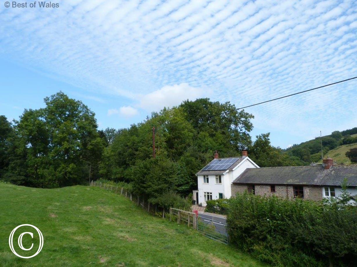 Walking Mid Wales Holiday Cottage