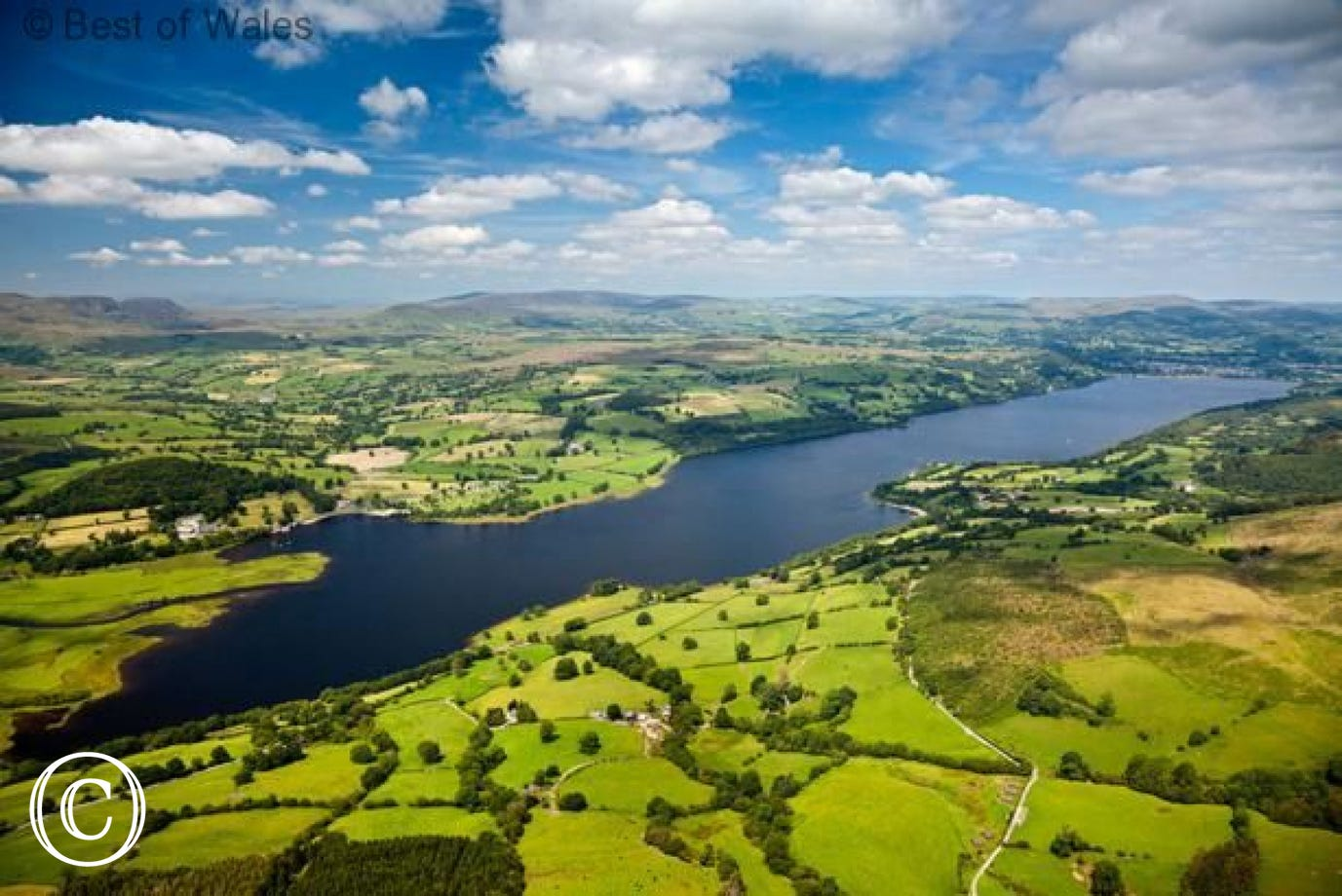 Llyn Tegid (Bala Lake): the largest natural lake in Wales. 500 yds from your Bala self catering cottage