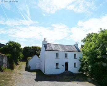 Dog-friendly Pembrokeshire Cottage Holidays, near St Davids