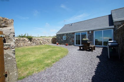 Corlan Lleuddad has its own private, enclosed garden and patio area with a gas BBQ set