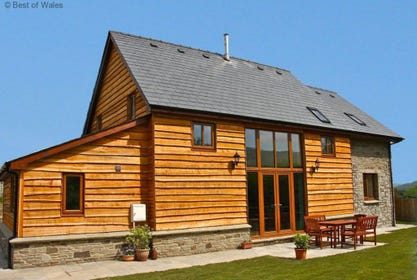 Builth Wells accommodation - Large Holiday Cottage